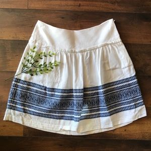 Madewell white & blue embroidered miniskirt size 0